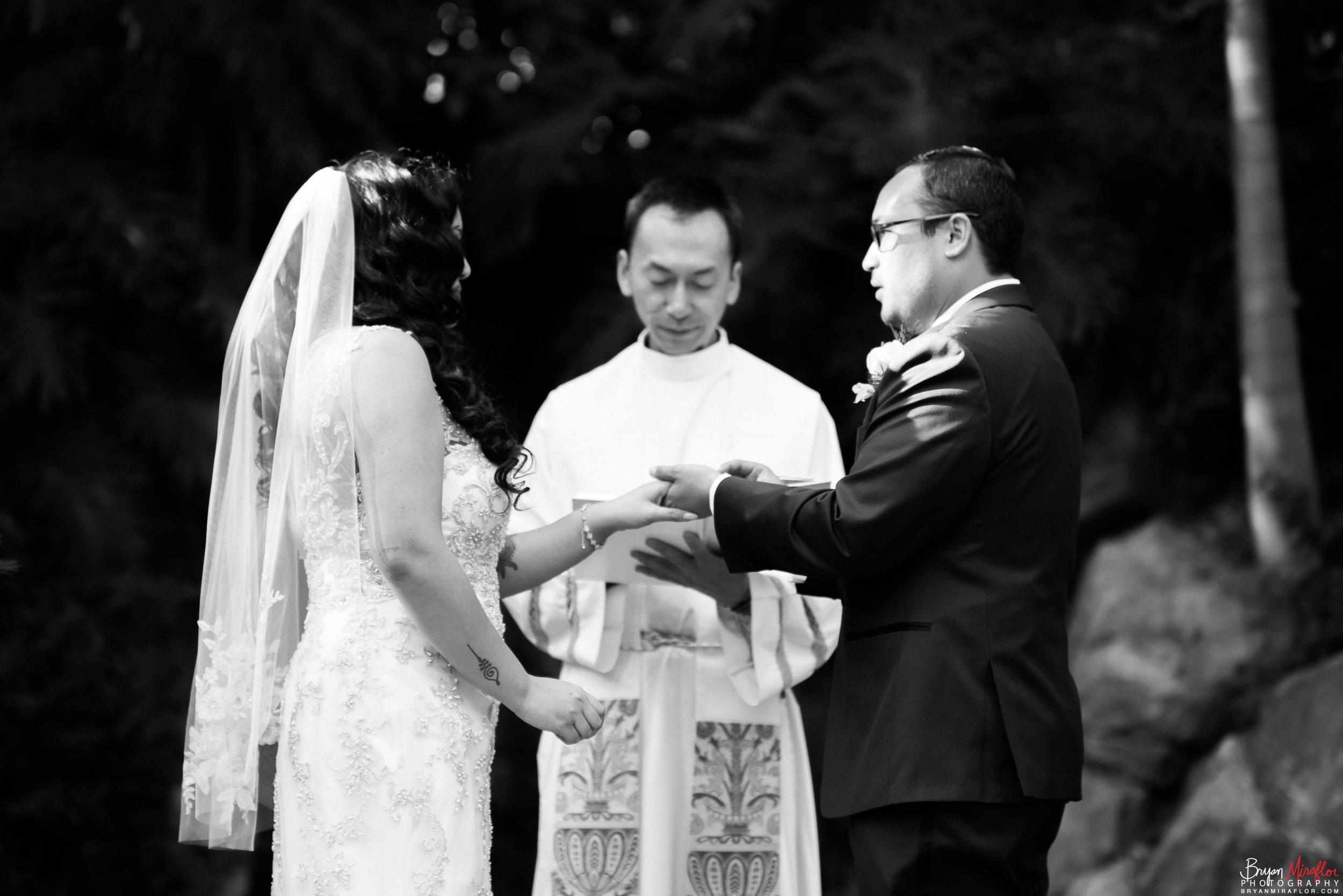 Bryan-Miraflor-Photography-Hannah-Jonathan-Married-Grand-Traditions-Estate-Gardens-Fallbrook-20171222-101.jpg