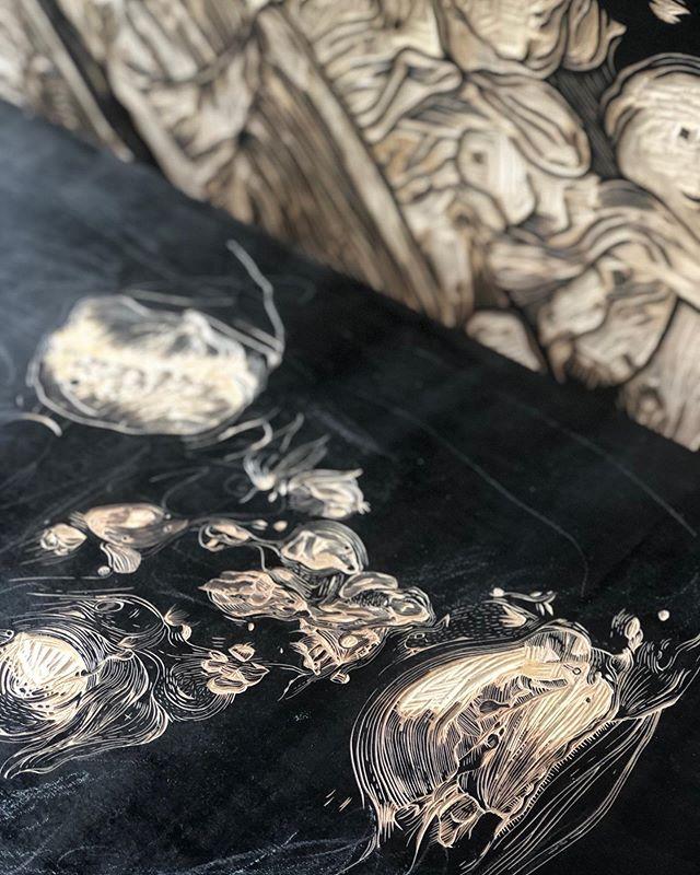 Works in progress... ⠀⠀⠀⠀⠀⠀⠀⠀⠀ ⠀⠀⠀⠀⠀⠀⠀⠀⠀ ⠀⠀⠀⠀⠀⠀⠀⠀⠀ ⠀⠀⠀⠀⠀⠀⠀⠀⠀ ⠀⠀⠀⠀⠀⠀⠀⠀⠀ ⠀⠀⠀⠀⠀⠀⠀⠀⠀ ⠀⠀⠀⠀⠀⠀⠀⠀⠀ ⠀⠀⠀⠀⠀⠀⠀⠀⠀ ⠀⠀⠀⠀⠀⠀⠀⠀⠀ ⠀⠀⠀⠀⠀⠀⠀⠀⠀ ⠀⠀⠀⠀⠀⠀⠀⠀⠀ ⠀⠀⠀⠀⠀⠀⠀⠀⠀ ⠀⠀⠀⠀⠀⠀⠀⠀⠀ ⠀⠀⠀⠀⠀⠀⠀⠀⠀ ⠀⠀⠀⠀⠀⠀⠀⠀⠀ ⠀⠀⠀⠀⠀⠀⠀⠀⠀ ⠀⠀⠀⠀⠀⠀⠀⠀⠀ @theotherartfair #theotherartfair #theotherartfairbklyn #woodblockprint #woodcut #printmaking #printmaker #wip #multitasking #slowlybutsurely