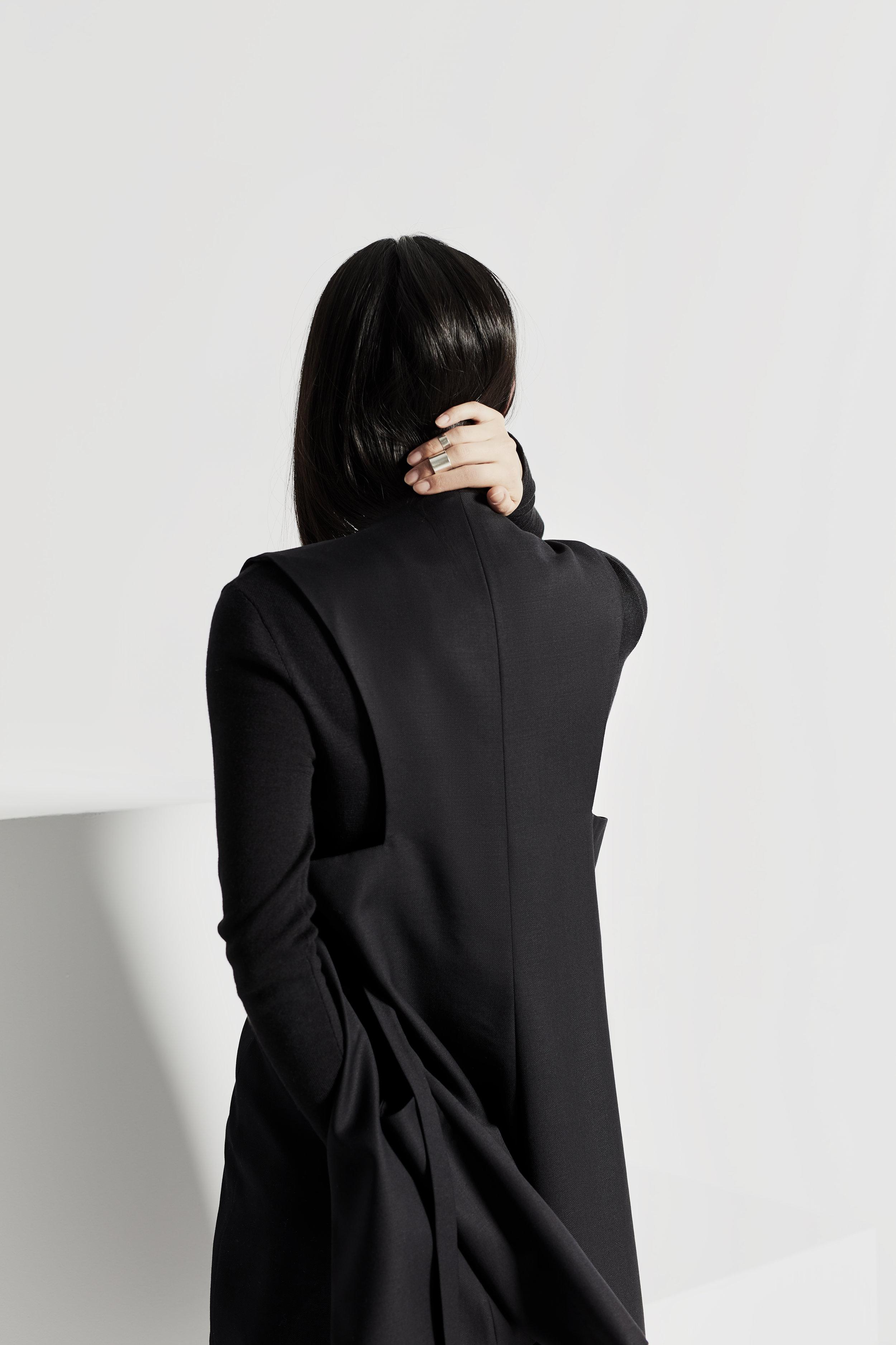 elisa-c-rossow/vest/back/rei