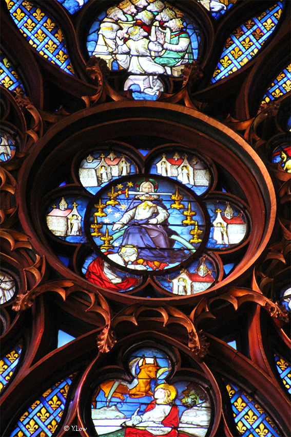 Stained Glass in Sainte-Chapelle Paris YLow.jpg