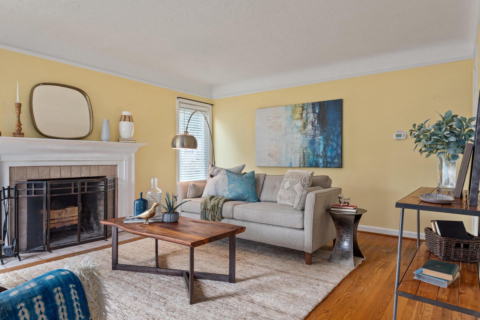 2236 NE Dekum St Portland OR-007-003-Living Room-MLS_Size.jpg