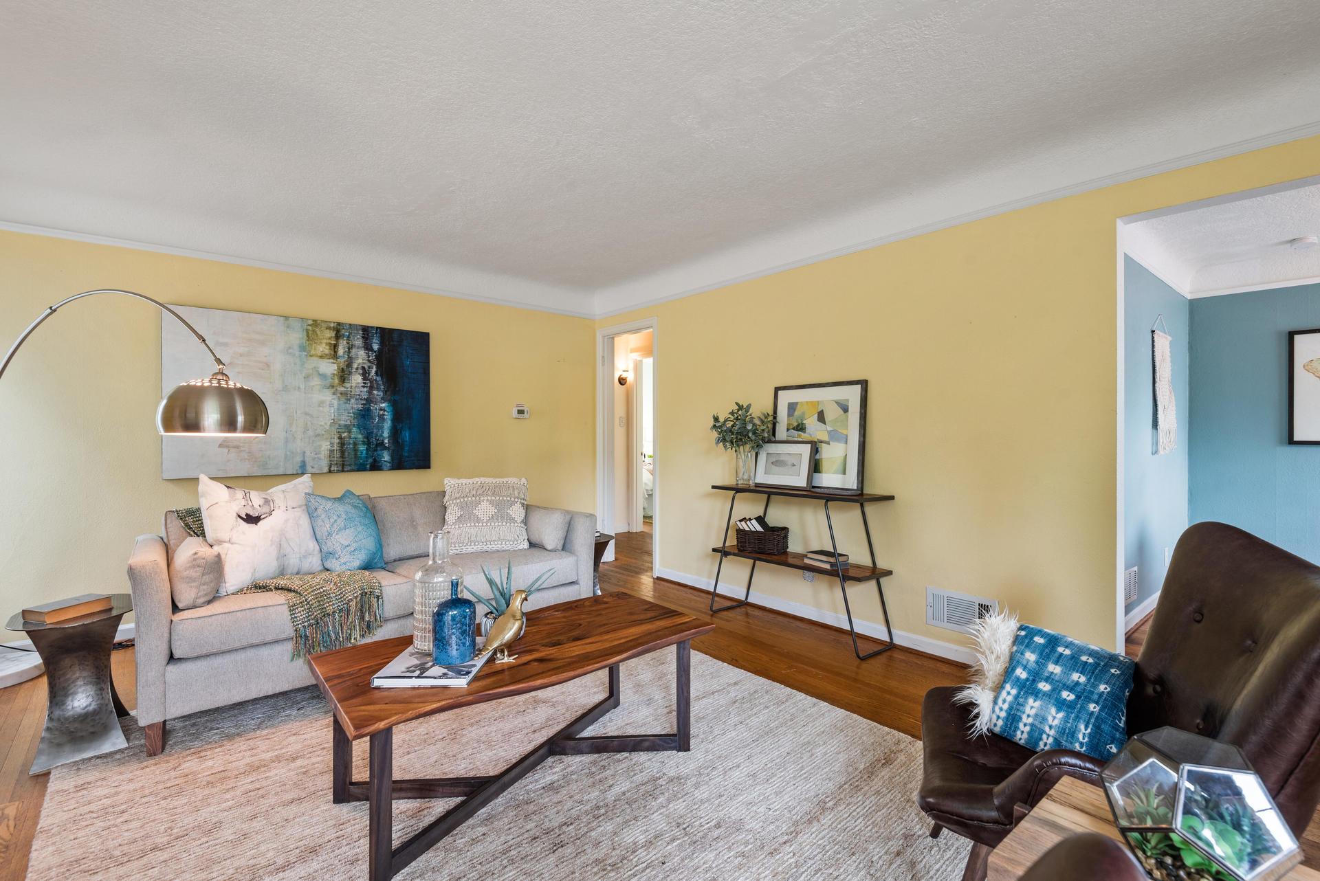 2236 NE Dekum St Portland OR-010-006-Living Room-MLS_Size.jpg