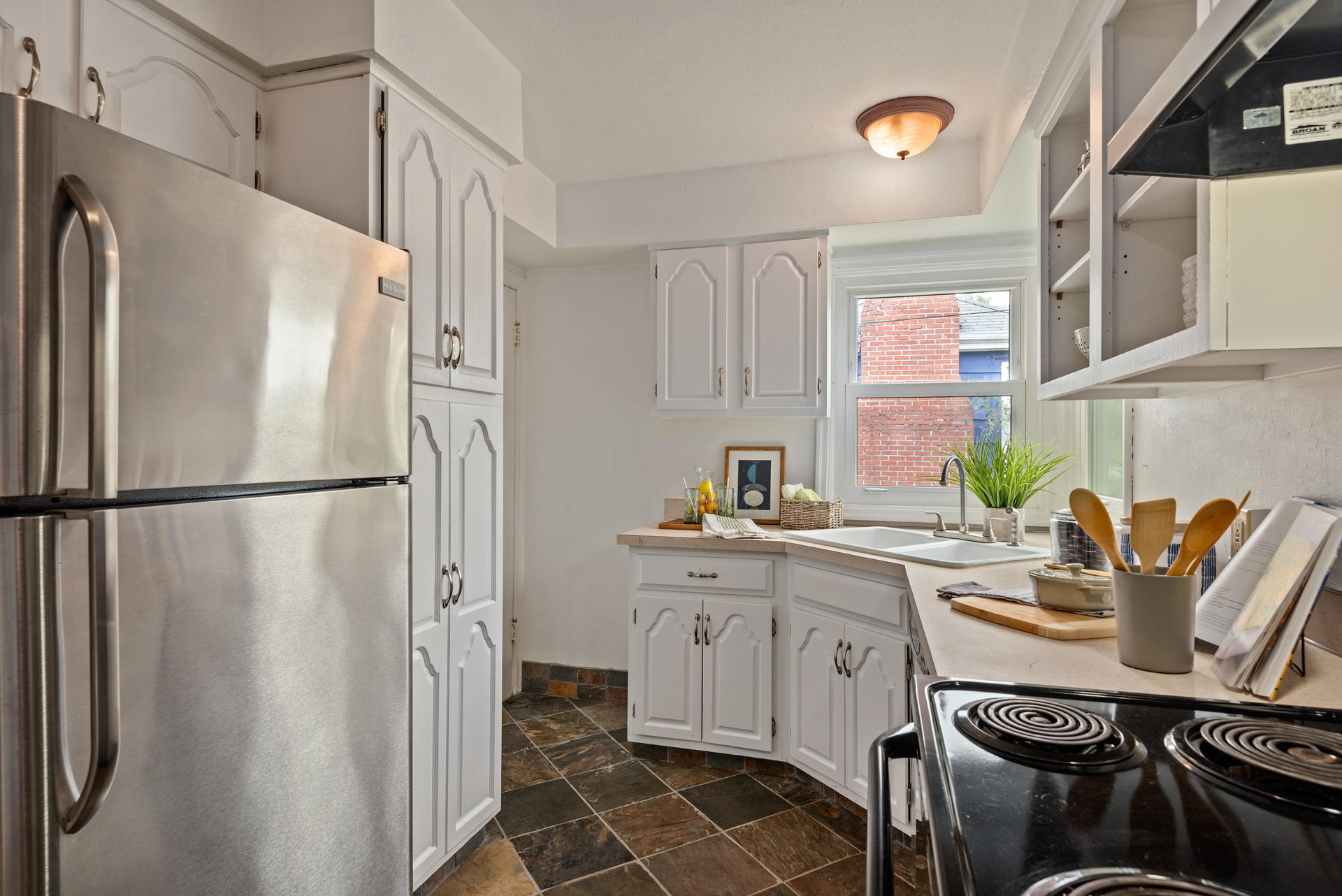 2236 NE Dekum St Portland OR-012-012-Kitchen-MLS_Size.jpg