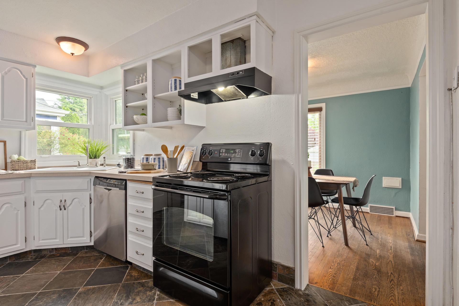 2236 NE Dekum St Portland OR-015-002-KitchenDining Room-MLS_Size.jpg