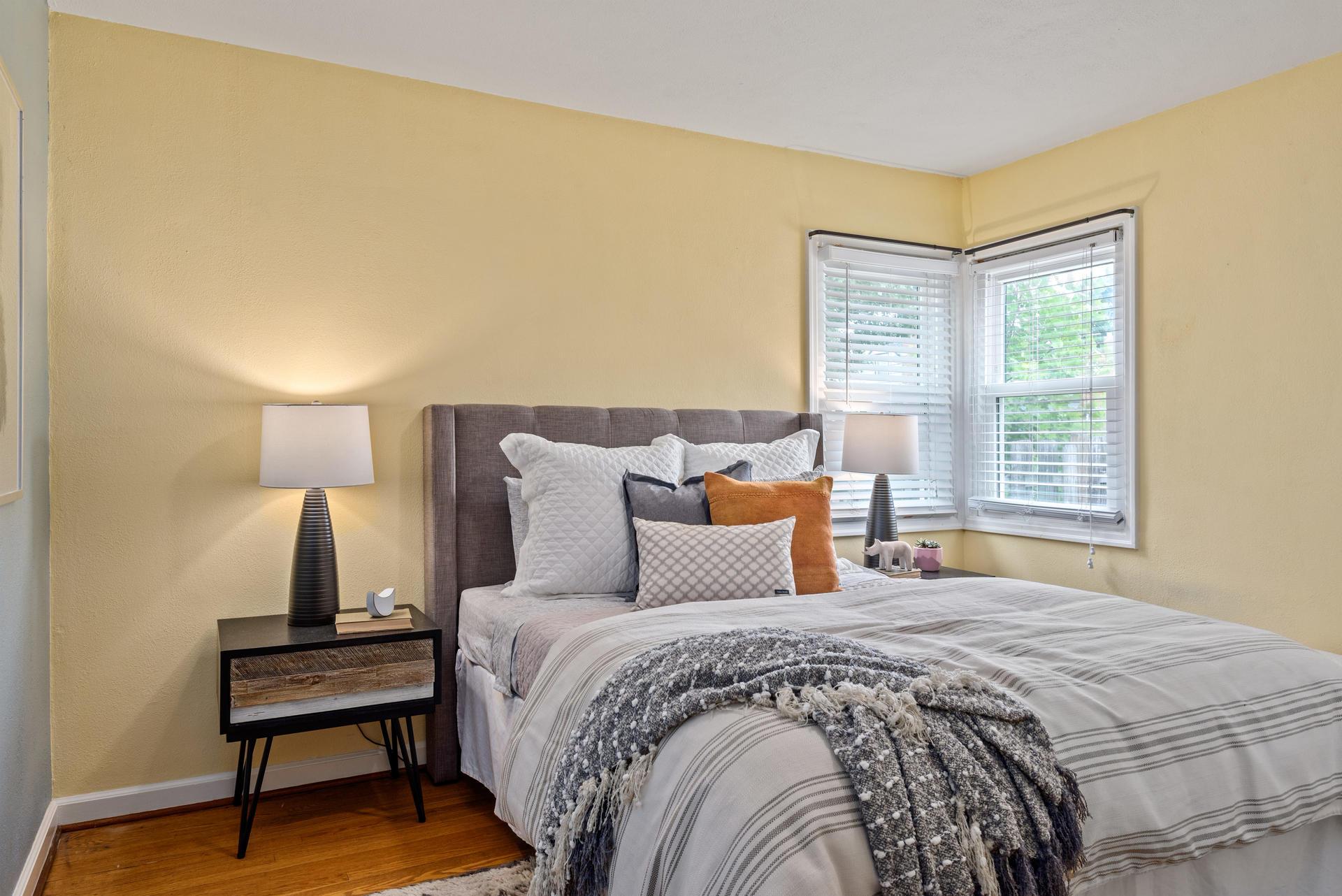 2236 NE Dekum St Portland OR-016-022-Master Bedroom-MLS_Size.jpg
