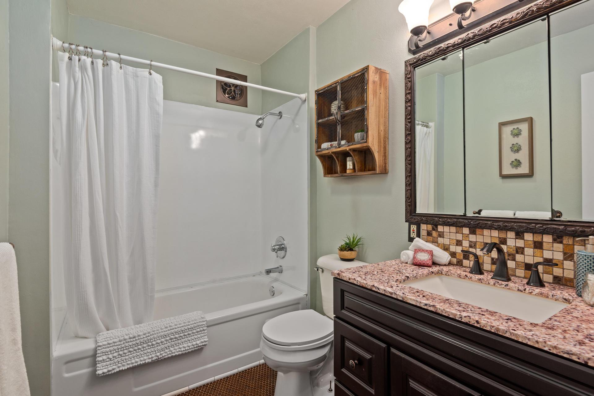 2236 NE Dekum St Portland OR-020-010-Bathroom-MLS_Size.jpg