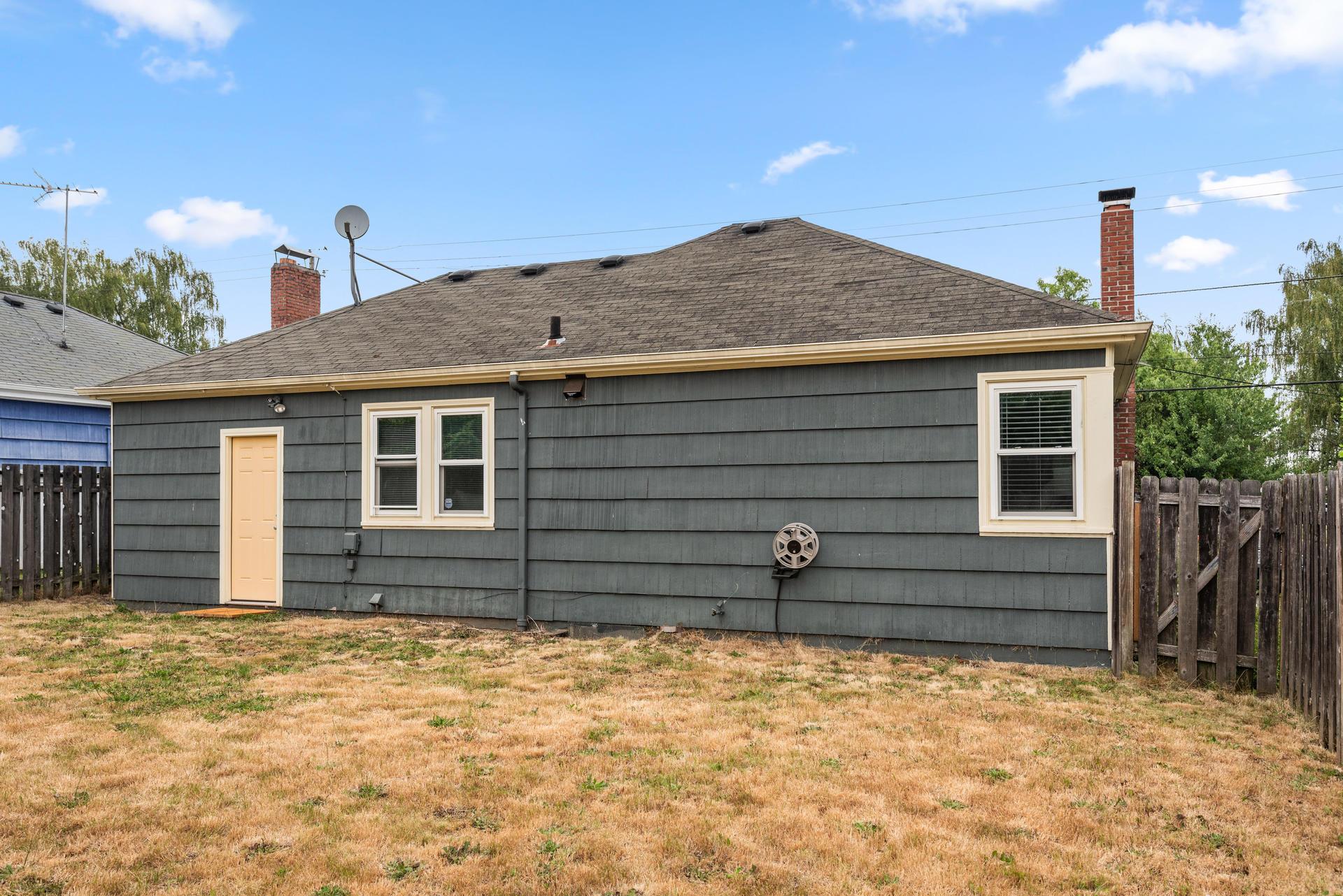 2236 NE Dekum St Portland OR-028-019-Back of House-MLS_Size.jpg