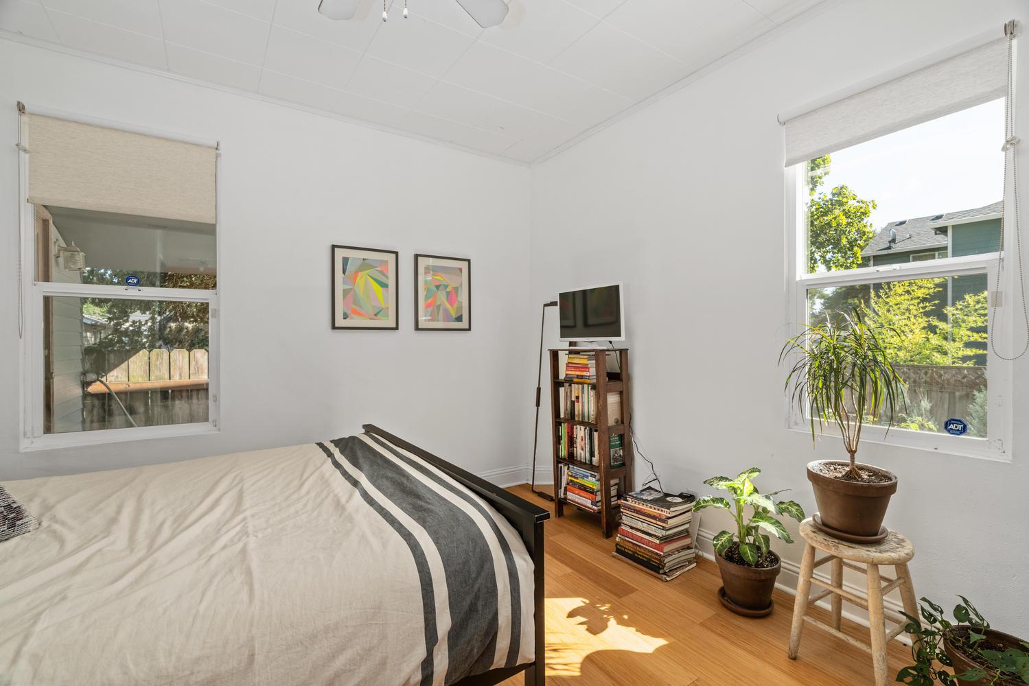 5326 SE 104th Ave Portland OR-large-019-018-Bedroom 2-1500x1000-72dpi.jpg