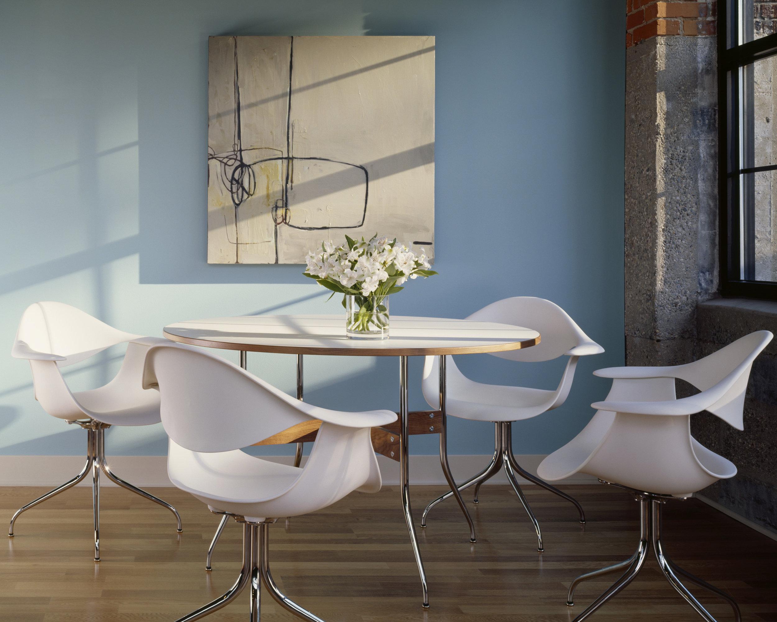 Name : Nelson™ swag leg dining table & Nelson™ swag leg armchair / Designer :George Nelson