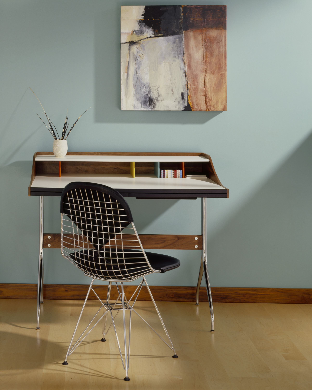 Name :Nelson™ swag leg desk / Designer :George Nelson
