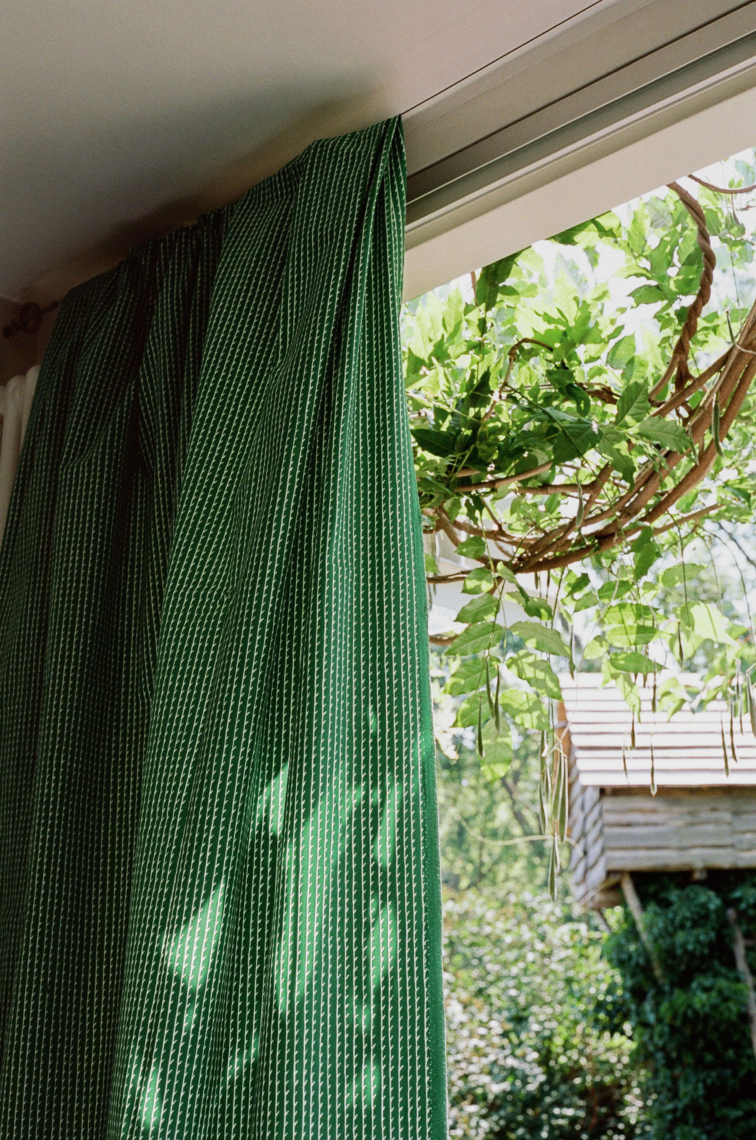 Rivi_Fabric_as_curtain_green_white.jpg