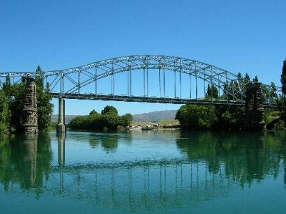 ALEXANDRA_bridge_from_w_2_.jpg