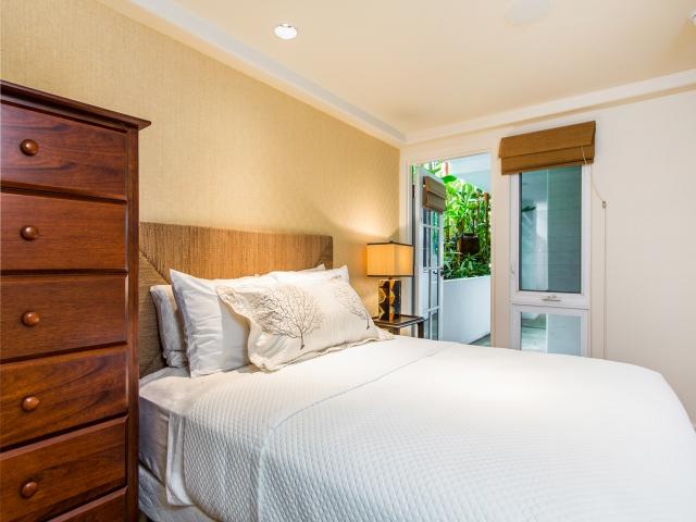 Bedroom-Suite-5_640x480_1926067.jpg