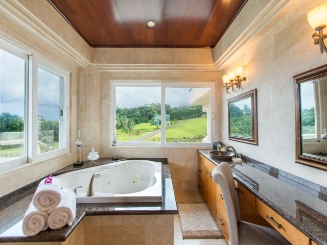 Bedroom-Suite-1_640x480_2130094.jpg