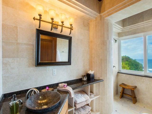 Bedroom-Suite-1_640x480_2130100.jpg