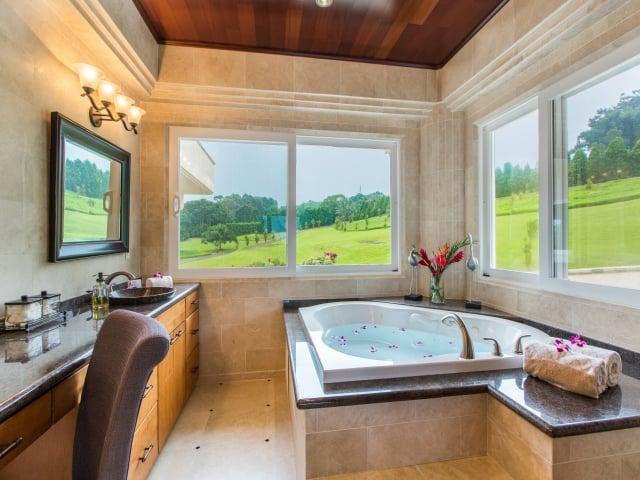 Bedroom-Suite-2_640x480_2130123.jpg