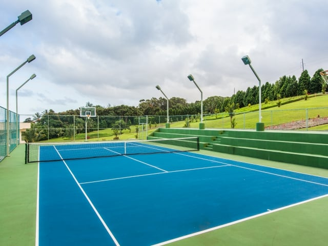 Tennis---Basketball_640x480_2130280.jpg