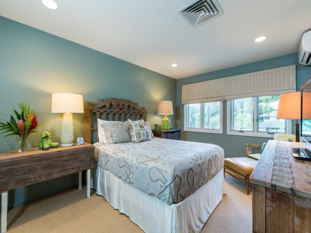 Bedroom-Suite-3_640x480_2151494.jpg