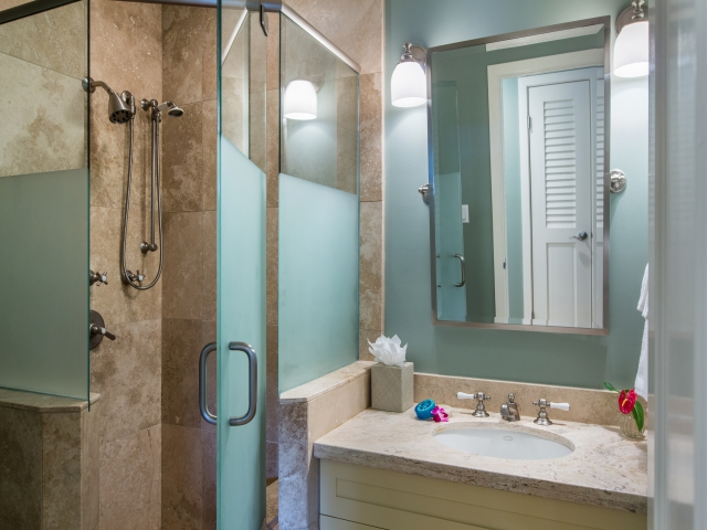 Bedroom-Suite-3_640x480_2151495.jpg