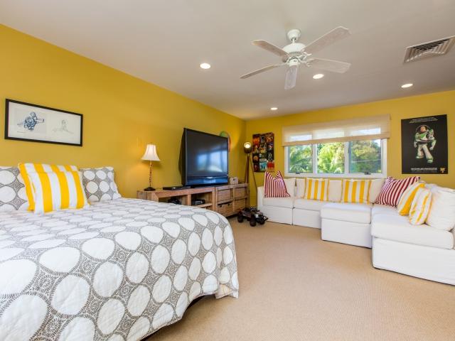 Bedroom-Suite-5_640x480_2151503.jpg