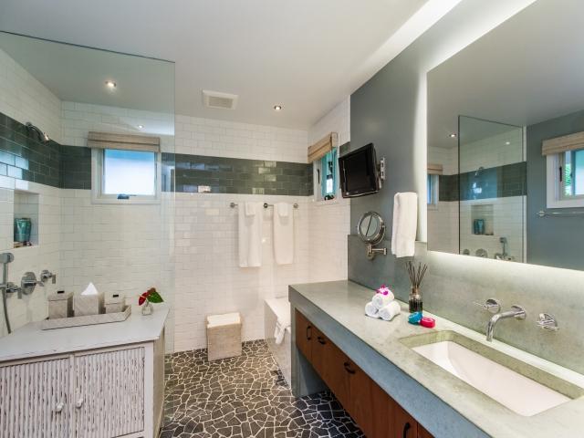 Bedroom-Suite-6_640x480_2151506.jpg