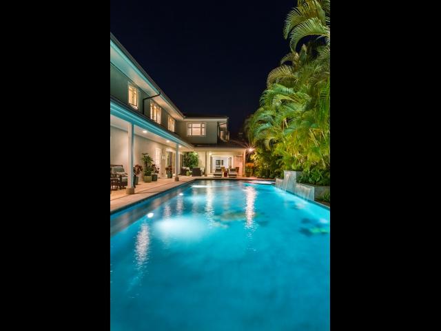 Pool---Spa_640x480_2151631.jpg