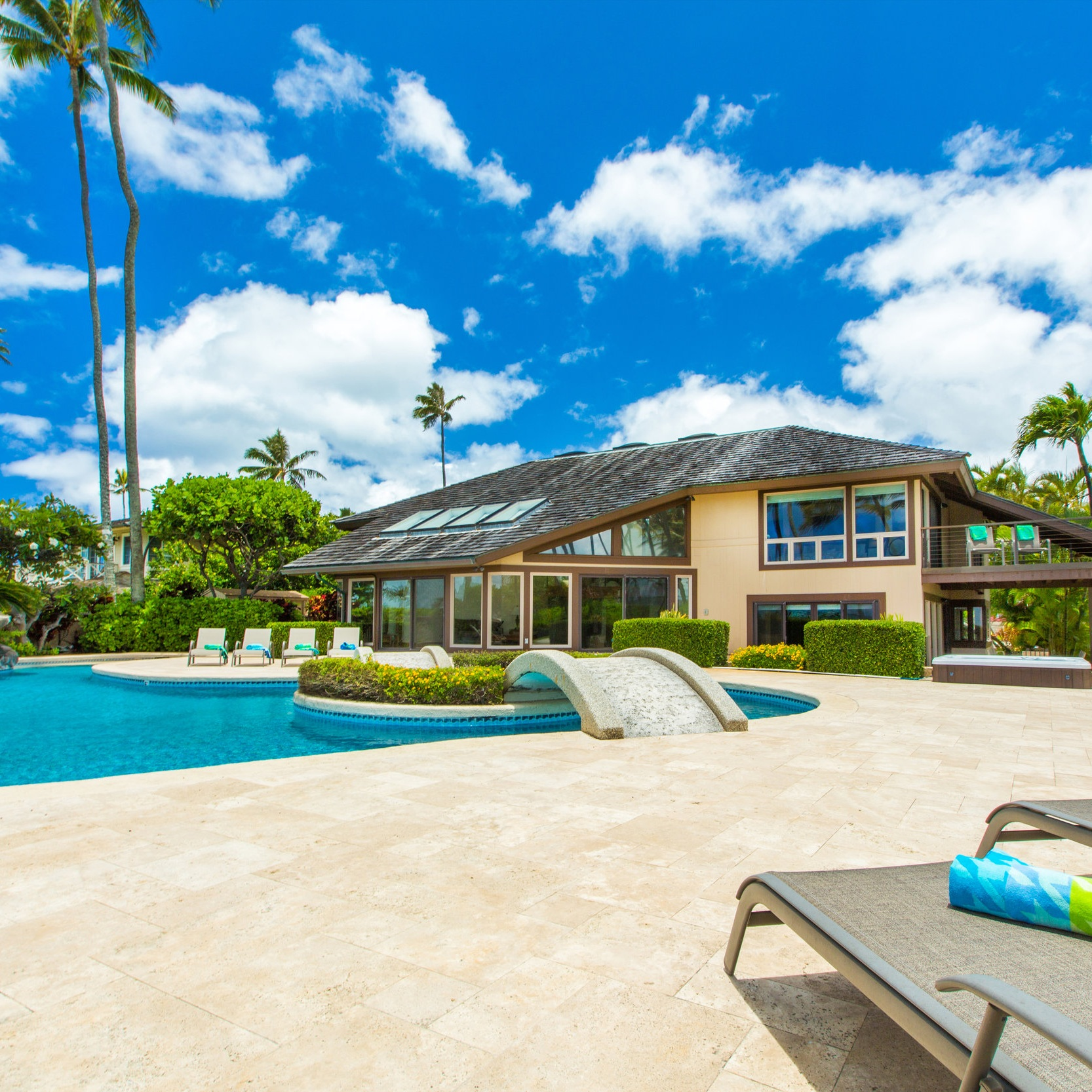 Kahala Mini Resort - Kahala, OahuStarting at $4,000/nightNUC#90/TVU-03767 Bedrooms7.5 Bathrooms