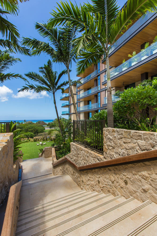 1388 Ala Moana Blvd 7401-large-036-21-Great Lawn-667x1000-72dpi.jpg