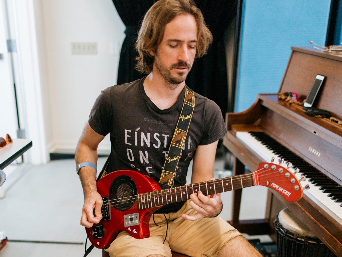 Musician Brian Wood provides live music for a 2018 Summer Intensive technique class. Photo © Emily Duncan
