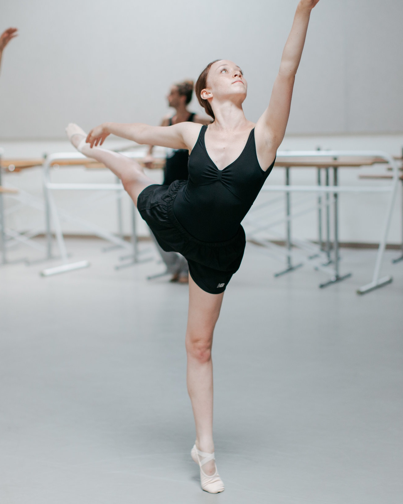 Teen Division exploring technique and artistry in Contemporary Ballet with Israel's Ido Tadmor. Photo © Emily Duncan