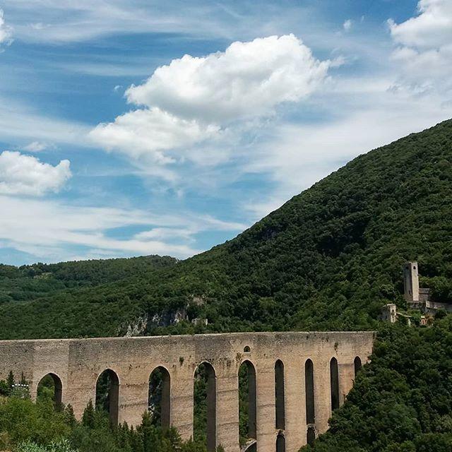 amazing Roman acquaduct in Spoleto #spoleto #spoletofestival #daytrip #awesome
