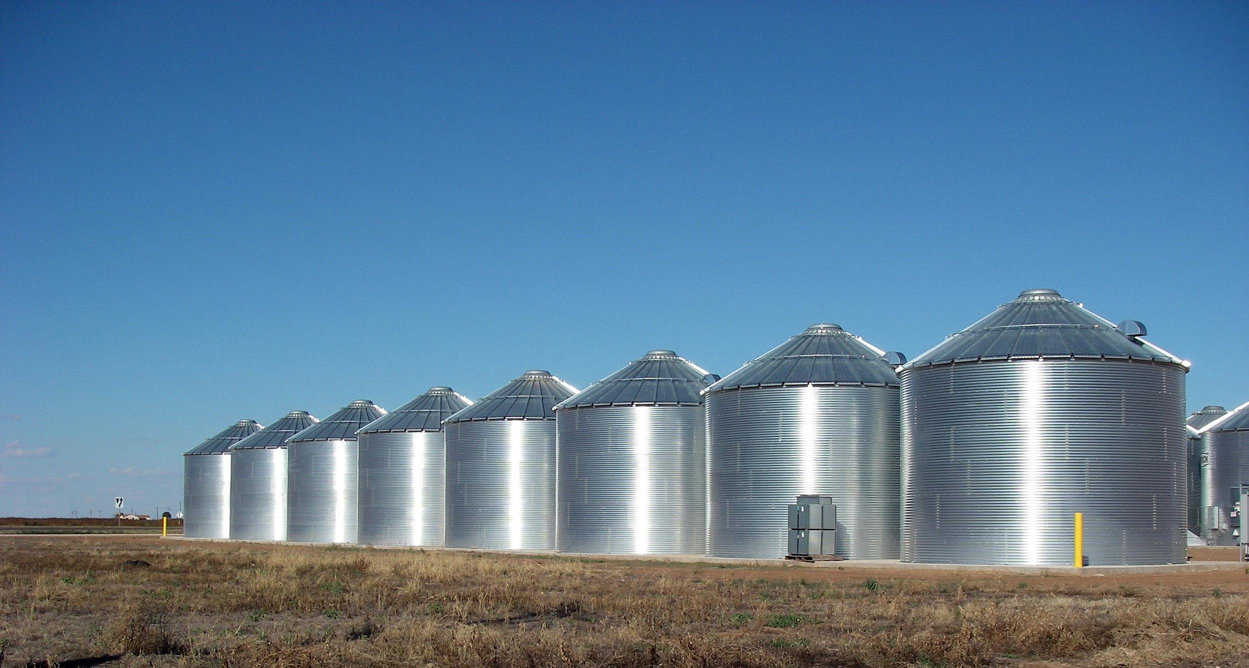 grain storage122
