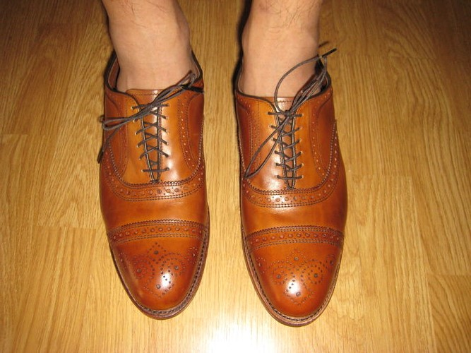Large spacing around the mouth of the shoe