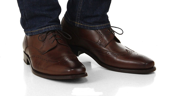 brown-shoes-with-jeans-1024x576.jpg
