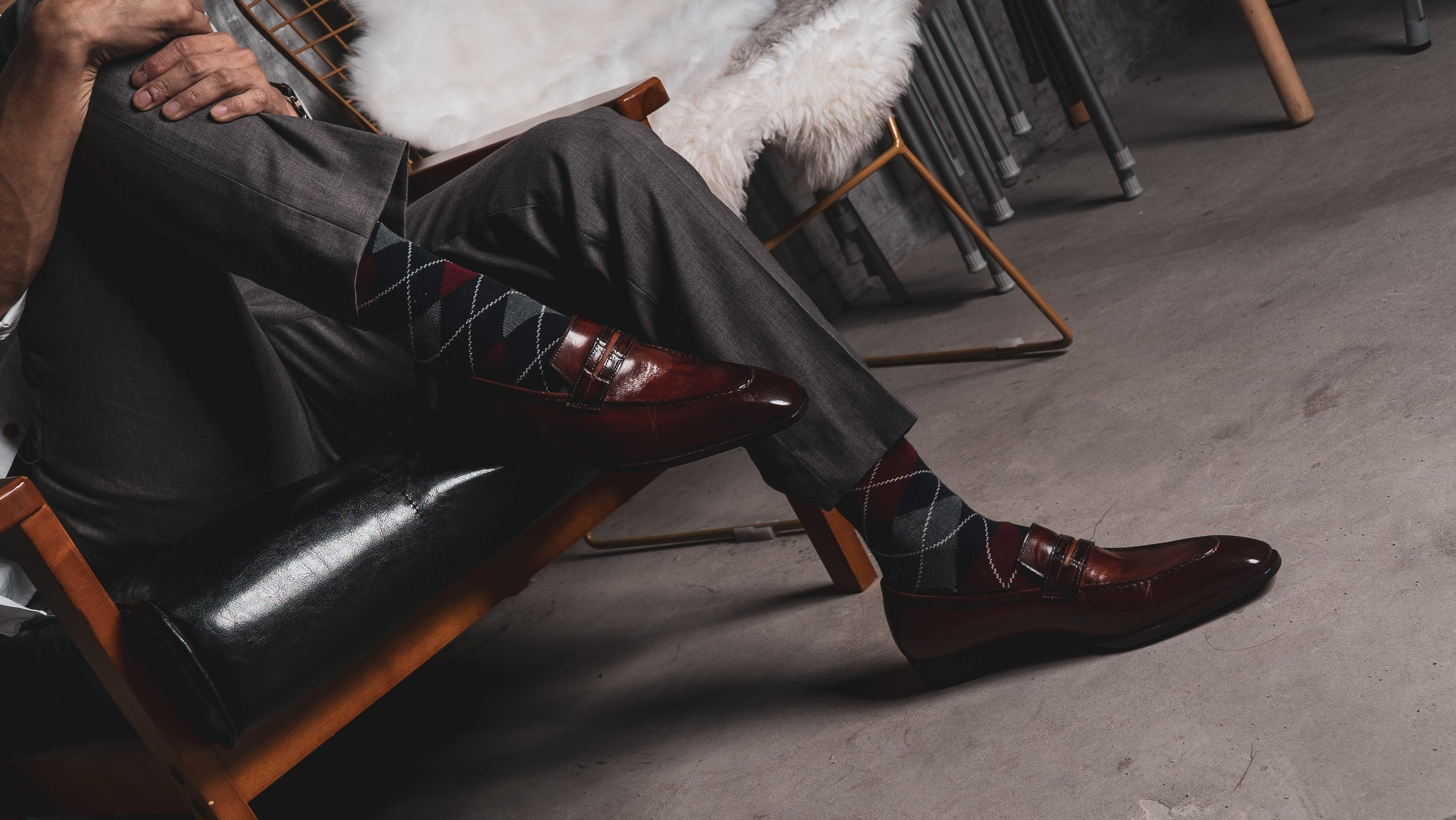 UNO Cognac loafers with grey tailored pants