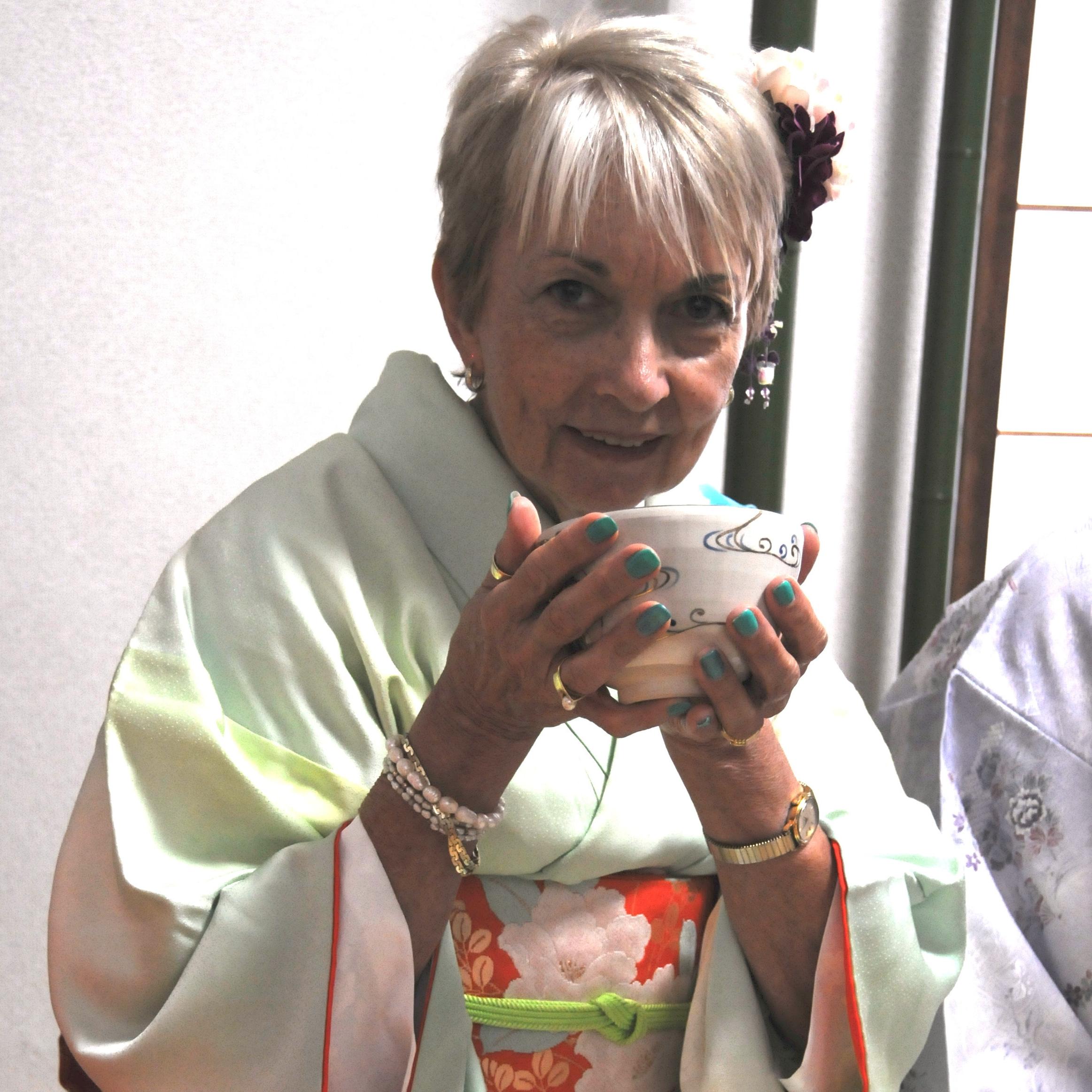 Sandy tea kimono.jpg