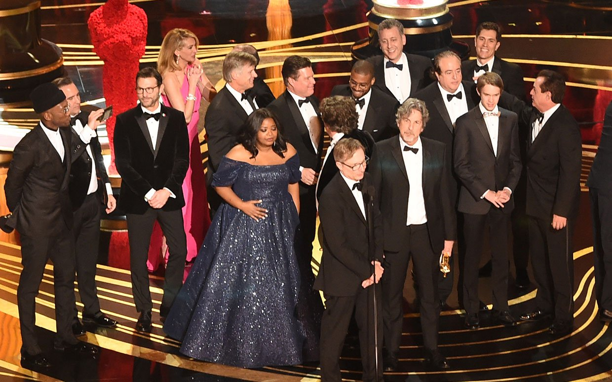 The cast and team behind Green Book accepting the Oscar for Best Picture