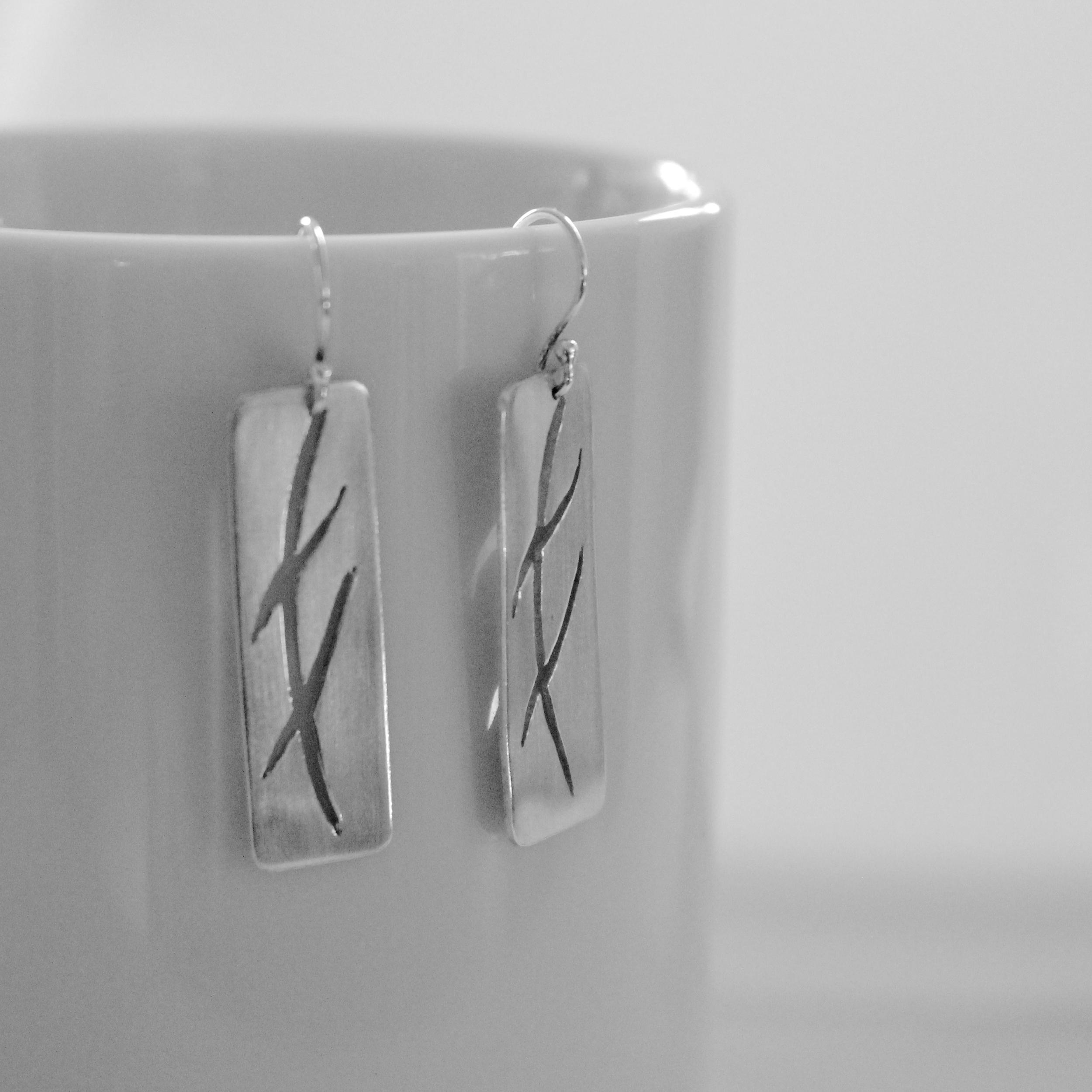 Criss Cross Brushstrokes in Silver