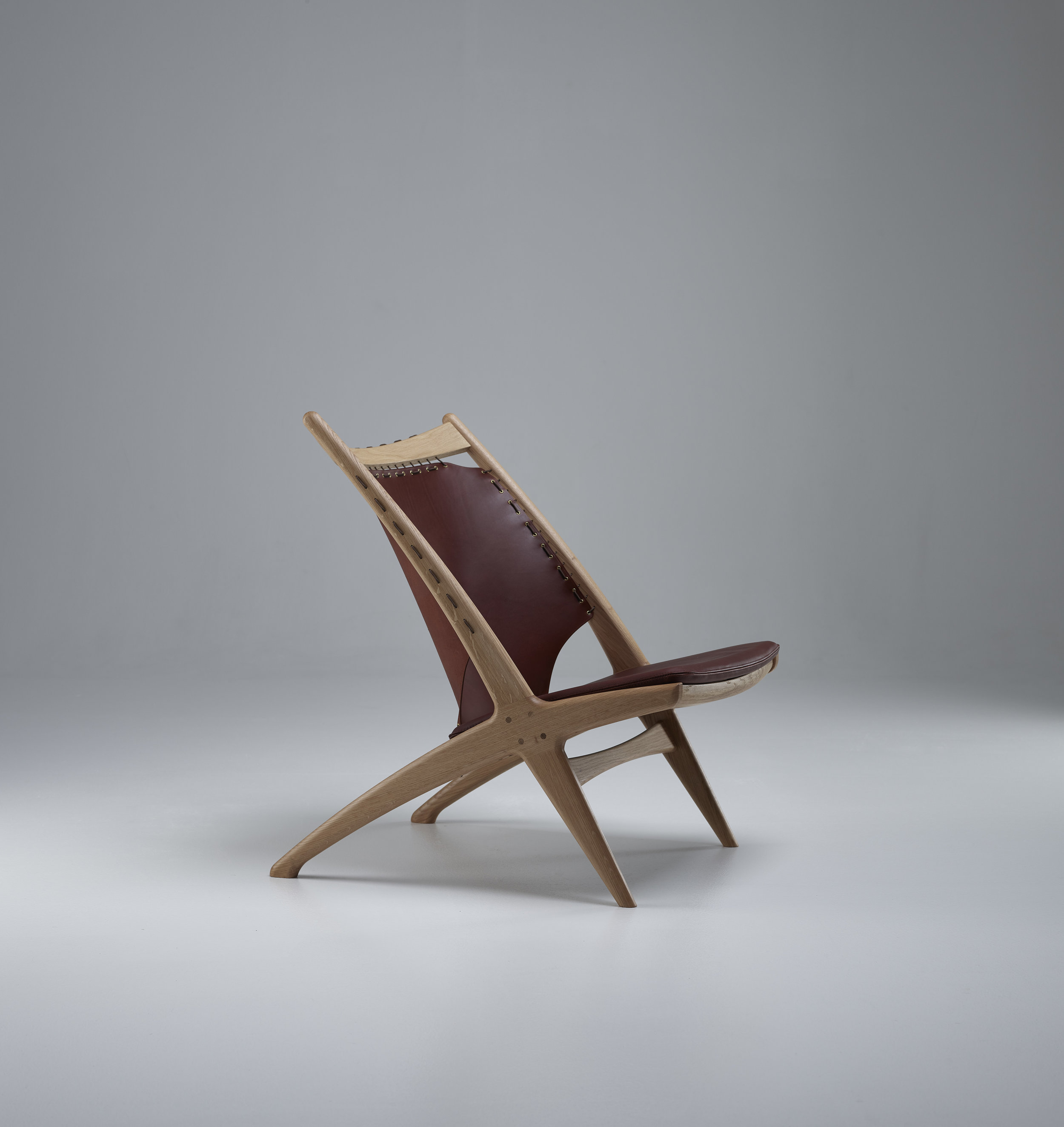 Krysset lounge chair