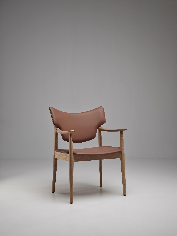 Veng armchair