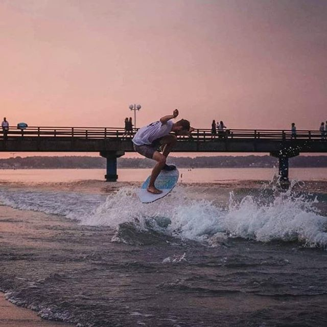 Pink and purple evening sesh!  @semjon_szil holding it down across the pond in Scharbeutz 🇩🇪