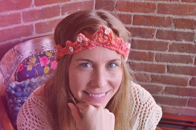Daisy Chain Crochet Crown Free Pattern