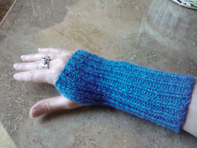 1x1 Ribbed Wrist Warmers Free Knitting Pattern