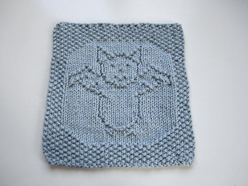 It's a Bat, Man! Free Dishcloth Knitting Pattern