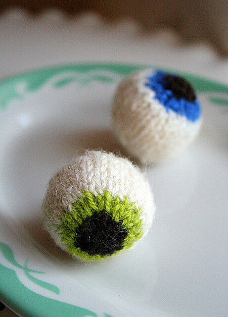 Gruesome Knitted Eyeballs Free Knitting Pattern