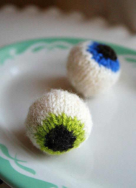 Gruesome Knitted Eyeballs Free Knitting Pattern