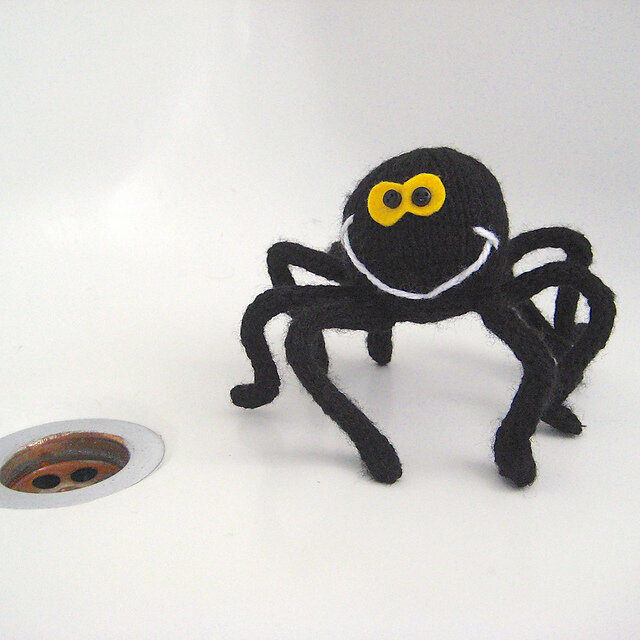 Spidey the Halloween Spider Free Knitting Pattern
