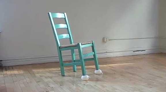 Shiyuan Liu,  The Weekender , 2011. Single channel video loop