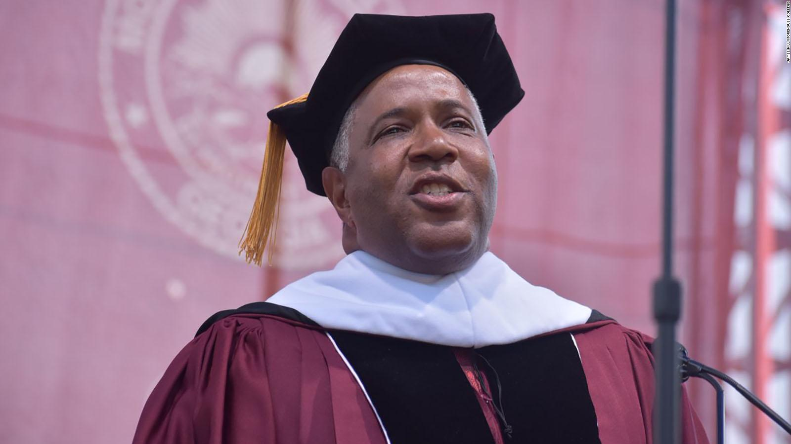 190519133009-03-robert-f-smith-morehouse-commencement-full-169[1].jpg