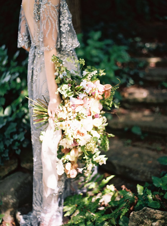 amy-osaba-events-flower-workshop-katie-hyatt-blue-dress-pink-flowers-bouquet3.jpg